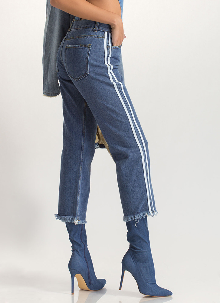 Stripe Right Cut-Off Boyfriend Jeans BLUE