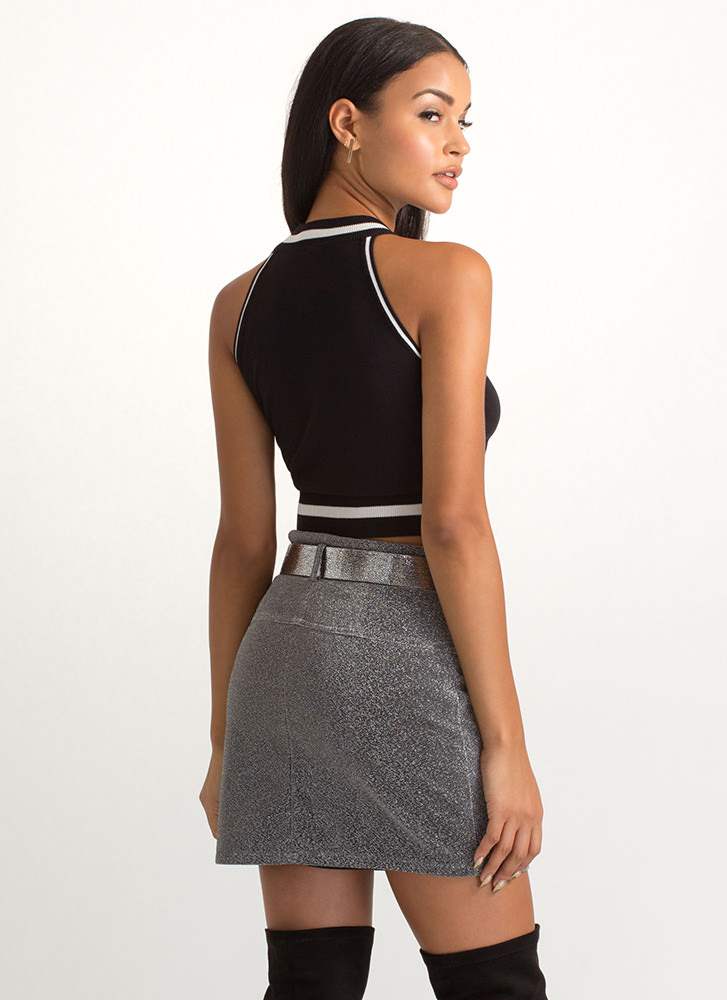 Gorgeous Lines Two-Toned Crop Top BLACKWHITE