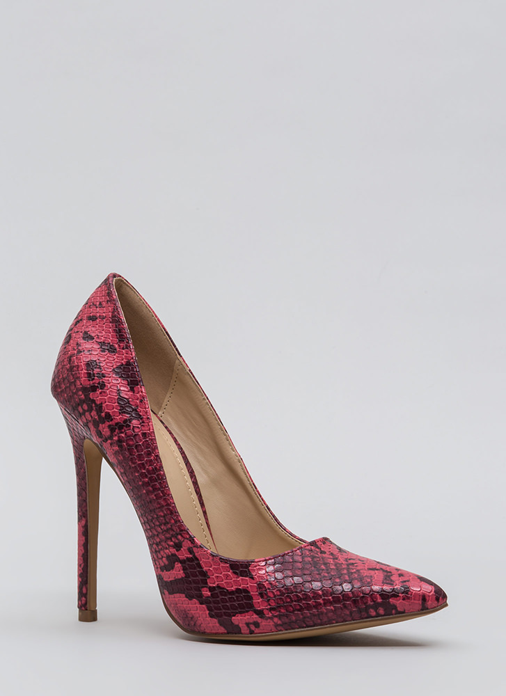 Snake Out Tonight Reptile Scale Pumps RED