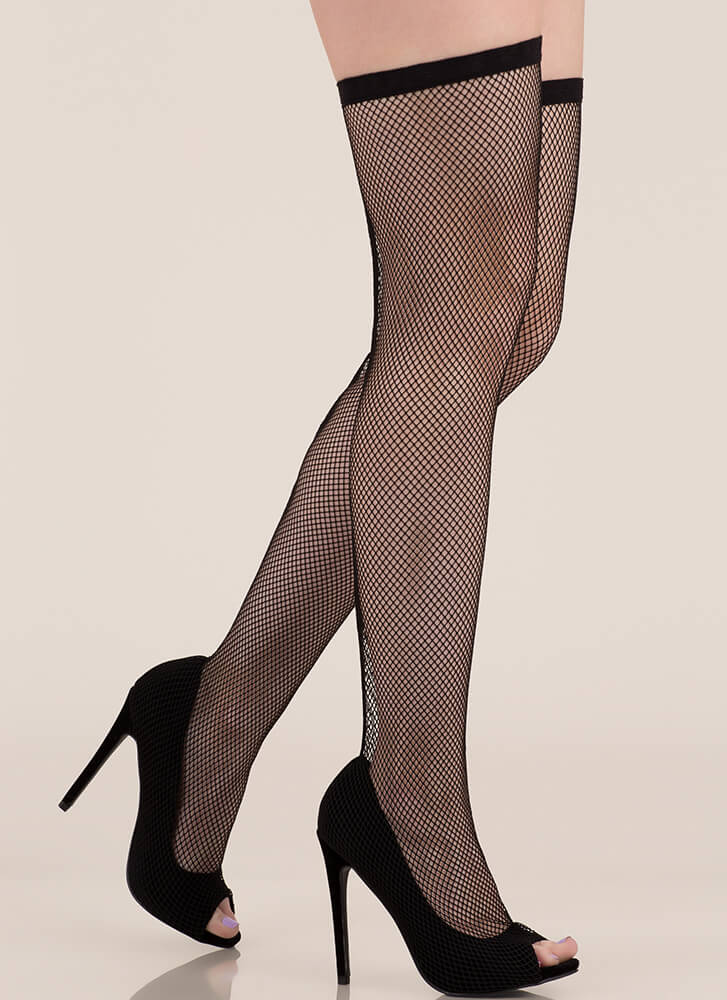 Plenty Of Fishnet Stocking Pumps BLACK