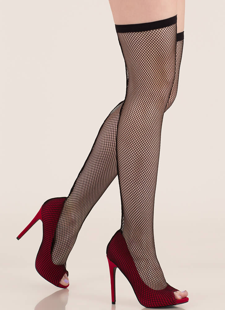Plenty Of Fishnet Stocking Pumps RED