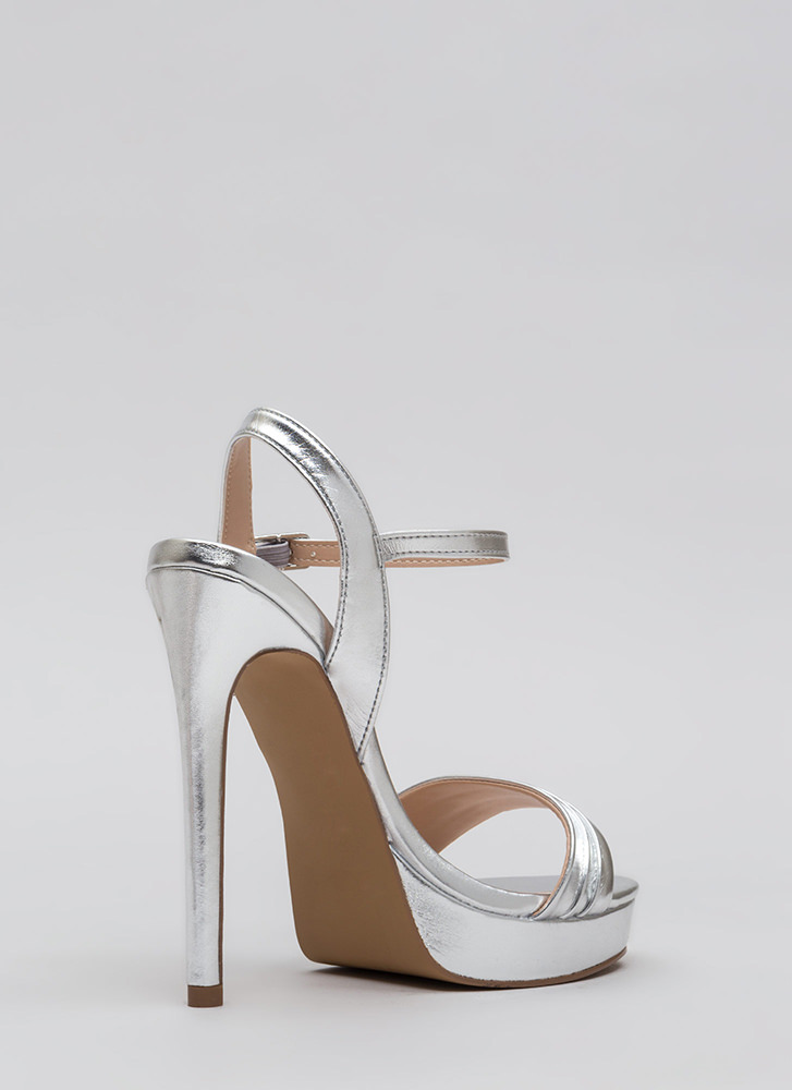 Just Say Pleats Metallic Platforms SILVER