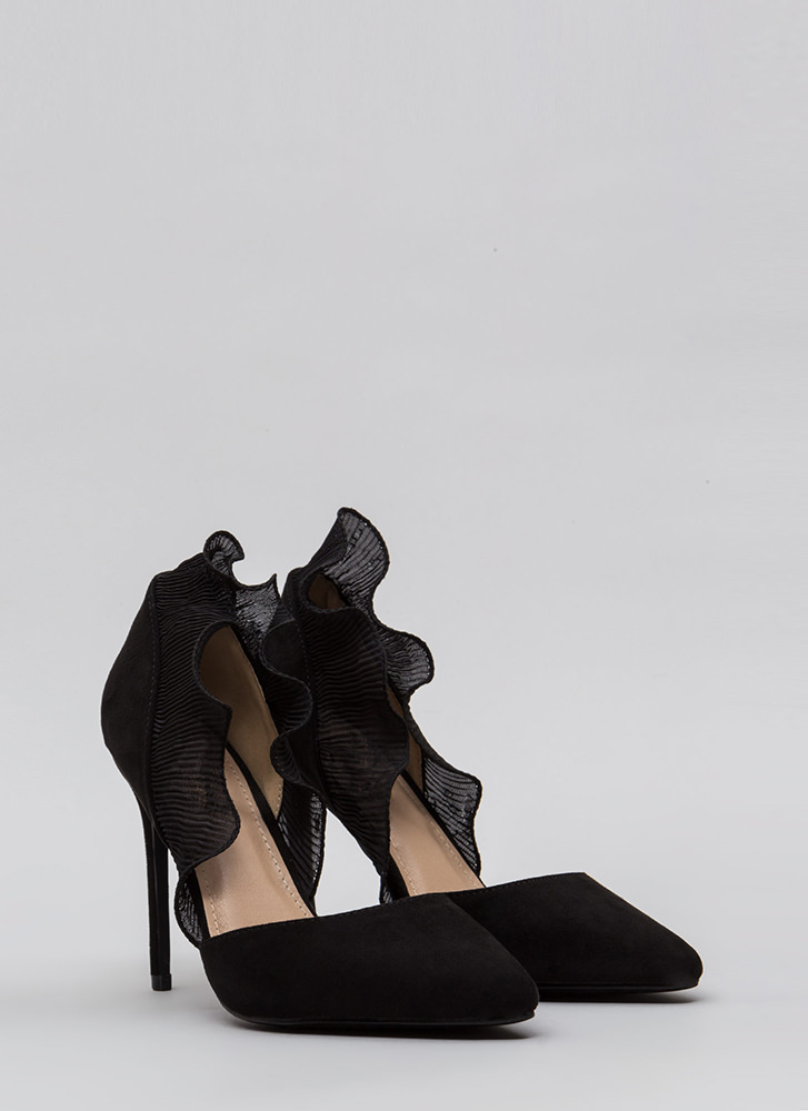 Lady In Court Ruffled Pointy Heels BLACK