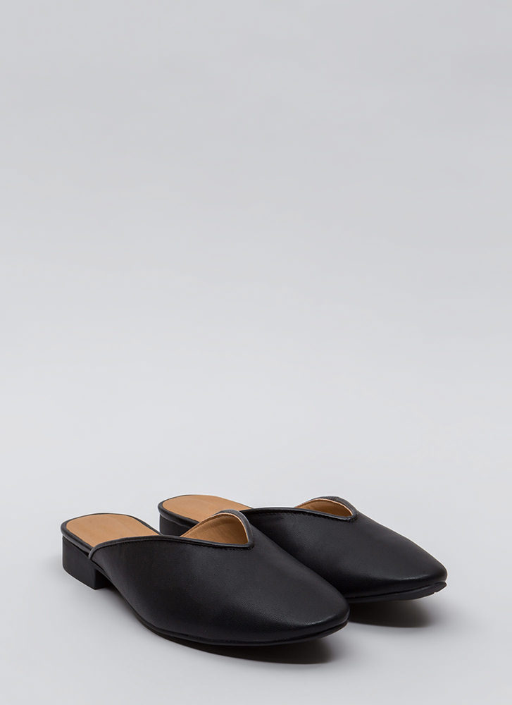 Let It V Known Faux Leather Flats BLACK (Final Sale)