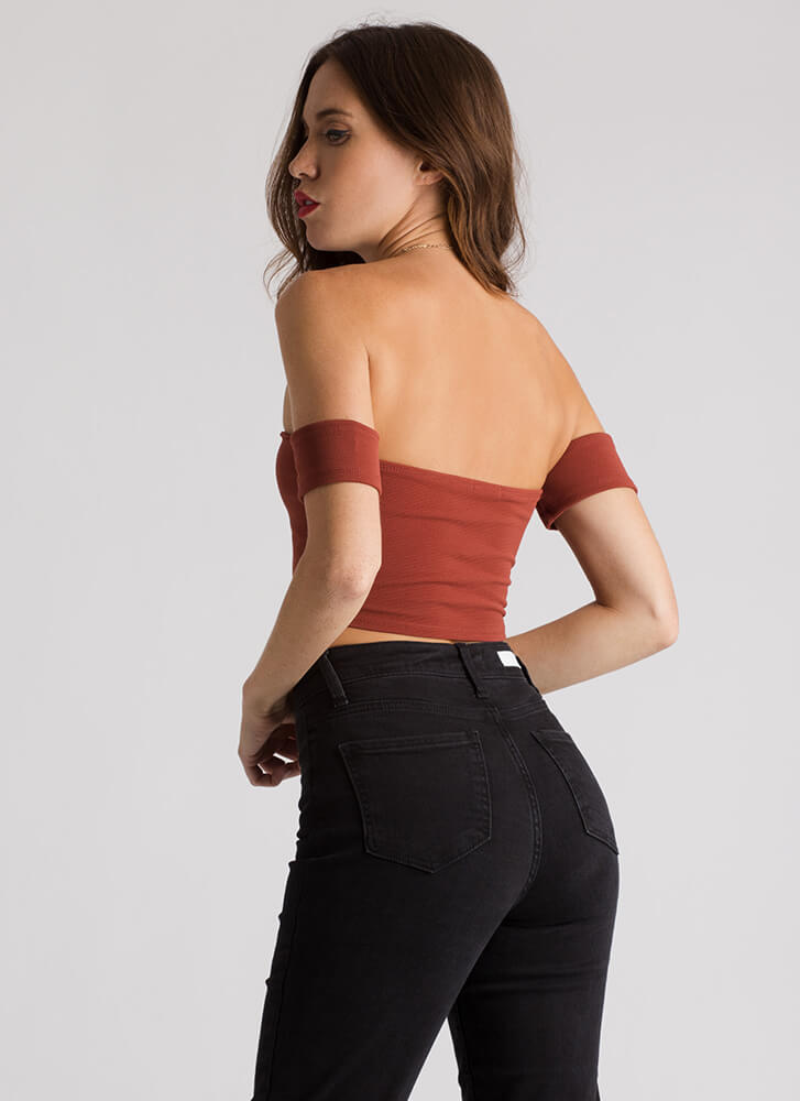 Little Victories Off-Shoulder Crop Top BRICK