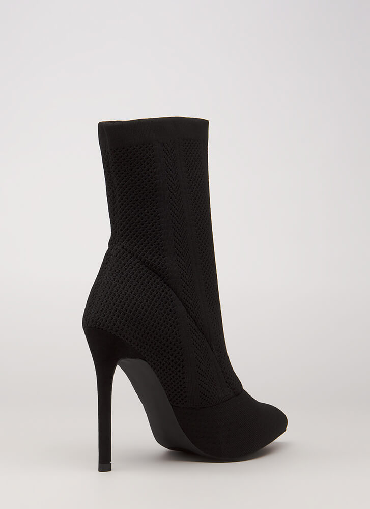 Point Them Out Textured Knit Booties BLACK