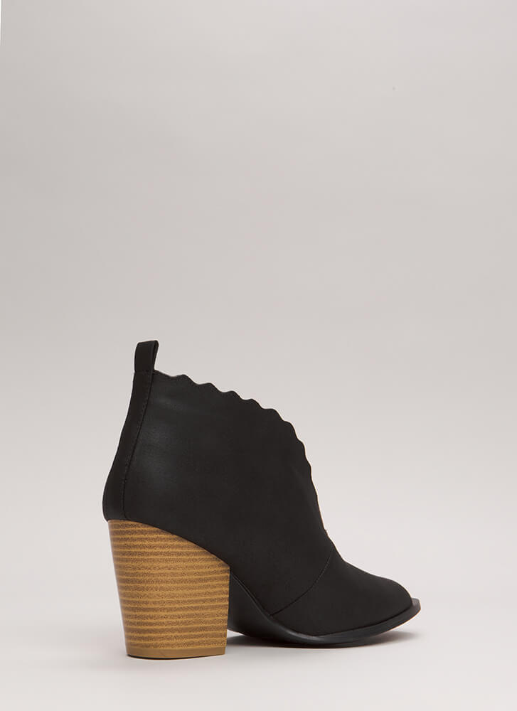 Wave You Hello Block Heel Booties BLACK