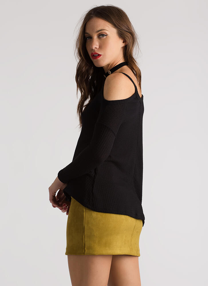 Casual Flare Textured Cold-Shoulder Top BLACK