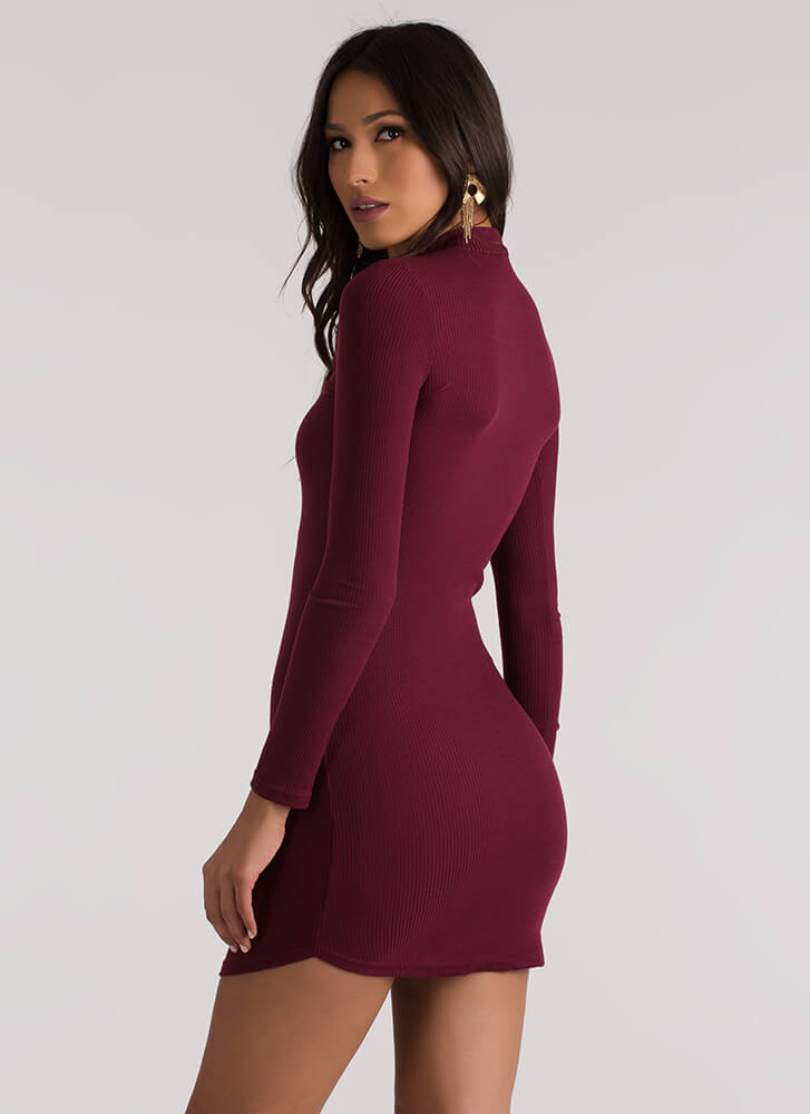 Keyhole To Success Round Hem Dress BURGUNDY