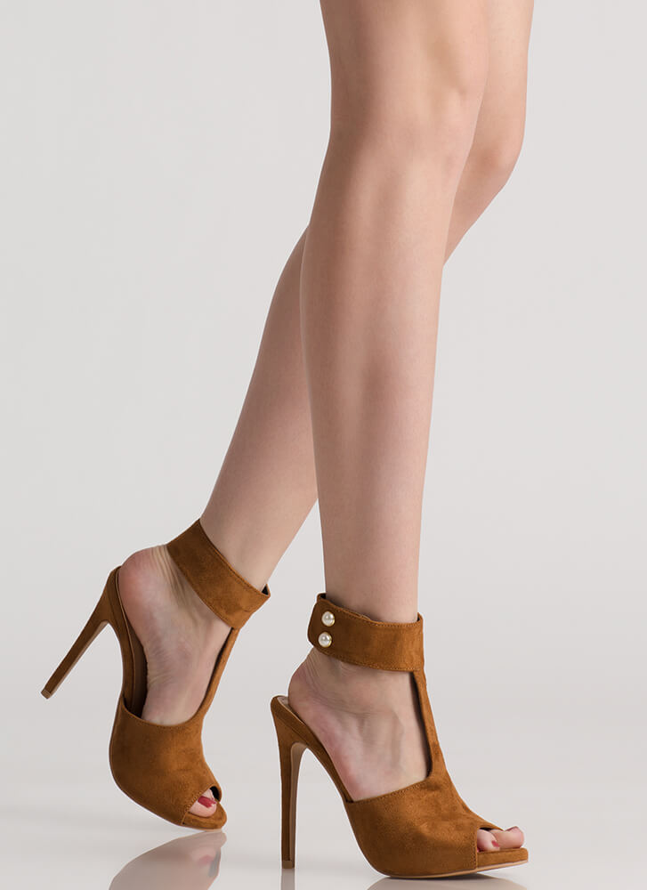 Pearly Greats Cut-Out Peep-Toe Heels MOCHA