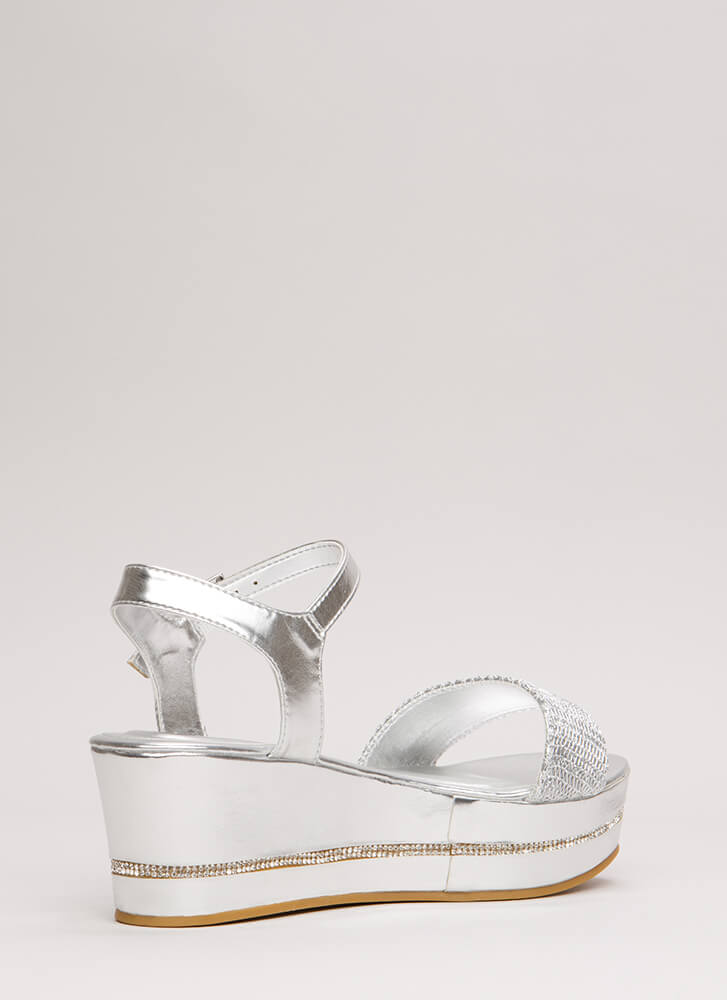 Chain-ge It Up Metallic Wedge Sandals SILVER