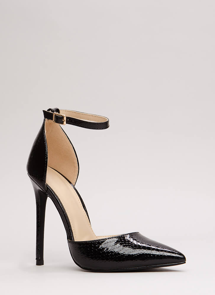 Scaled Back Pointy Faux Patent Heels BLACK