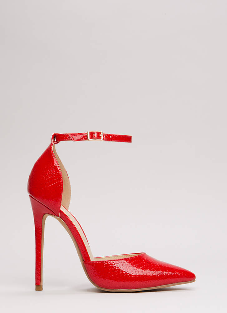 Scaled Back Pointy Faux Patent Heels RED