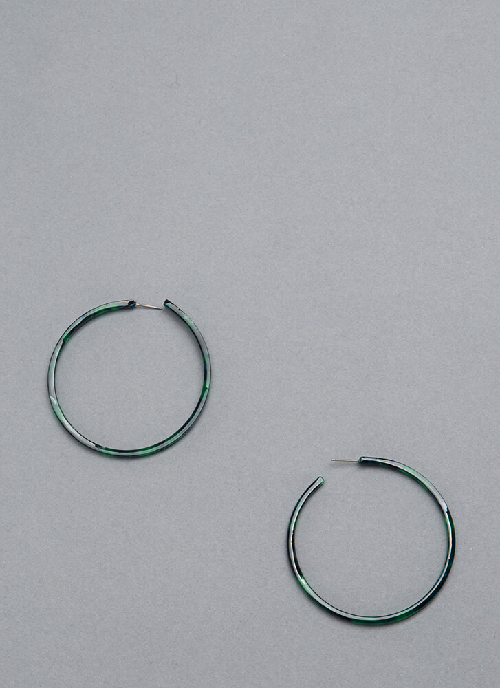 Win The Race Faux Tortoise Hoops GREEN