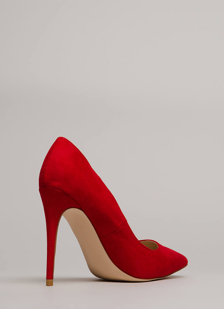 Point Blank Range Faux Suede Pumps RED