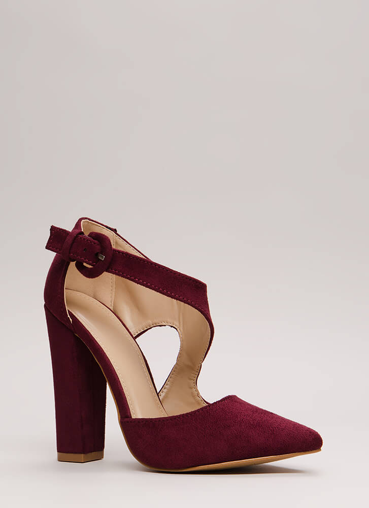 Swoop Dreams Chunky Cut-Out Pointy Heels WINE