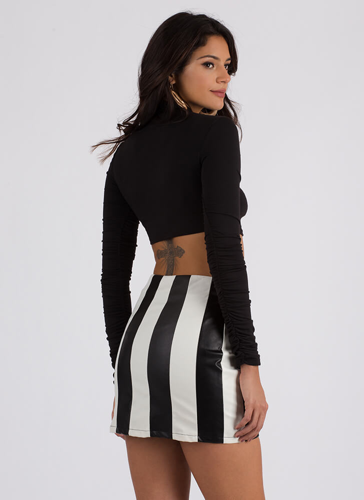 Girls Ruched Sleeve Graphic Crop Top BLACK