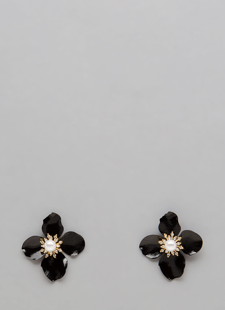 Floral Addition Faux Pearl Earrings BLACKGOLD