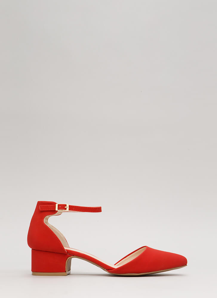 Short And Sweet Pointy Block Heels RED