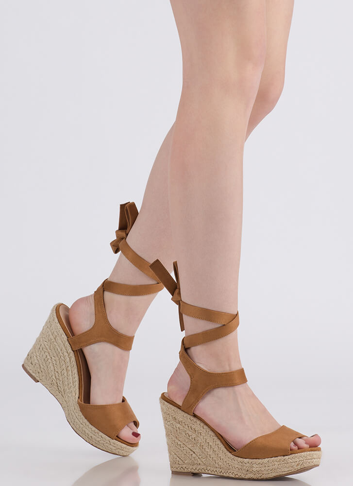 Villa Vacation Lace-Up Espadrille Wedges LTTAN