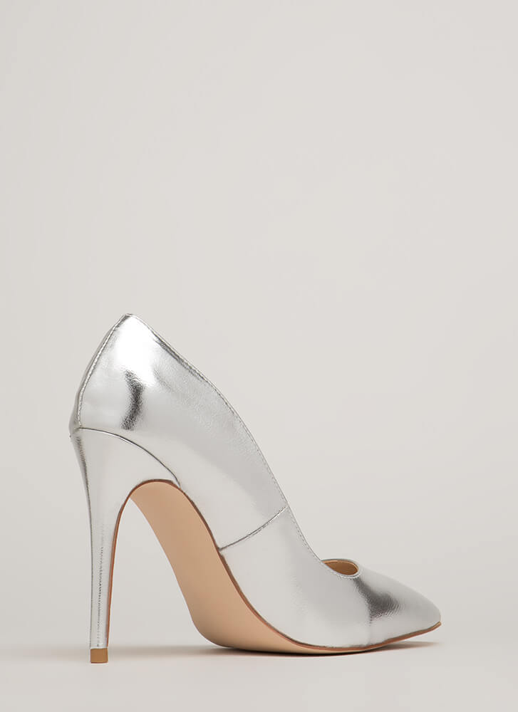 Point Blank Range Metallic Pumps SILVER