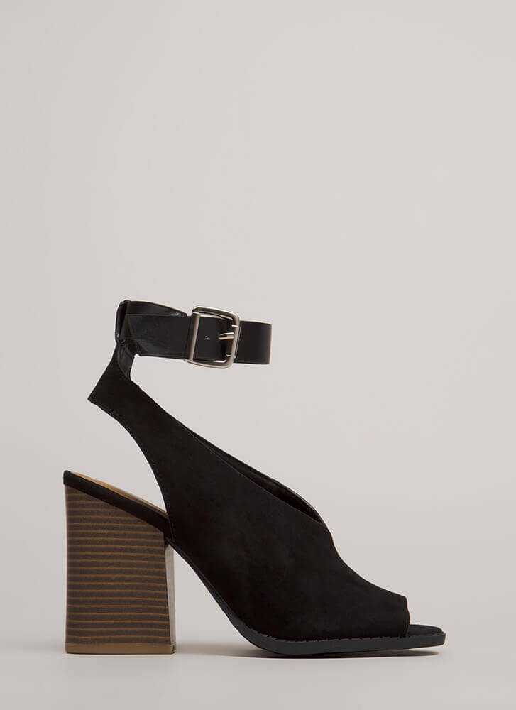 Day Off Chunky Cut-Out Ankle Strap Heels BLACK