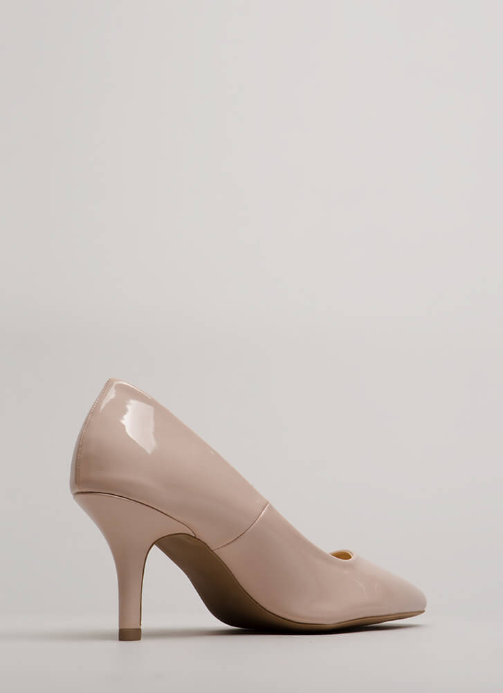 Short Day Pointy Faux Patent Pumps NUDE