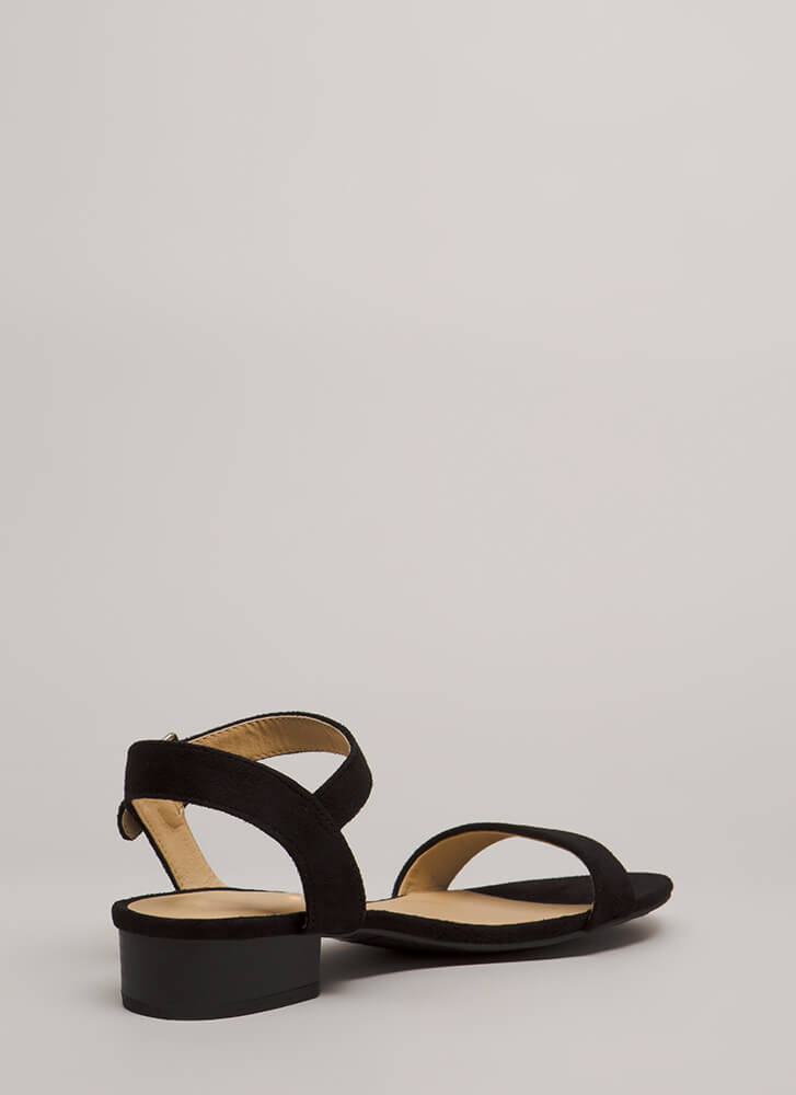 Class Of Its Own Block Heel Sandals BLACK