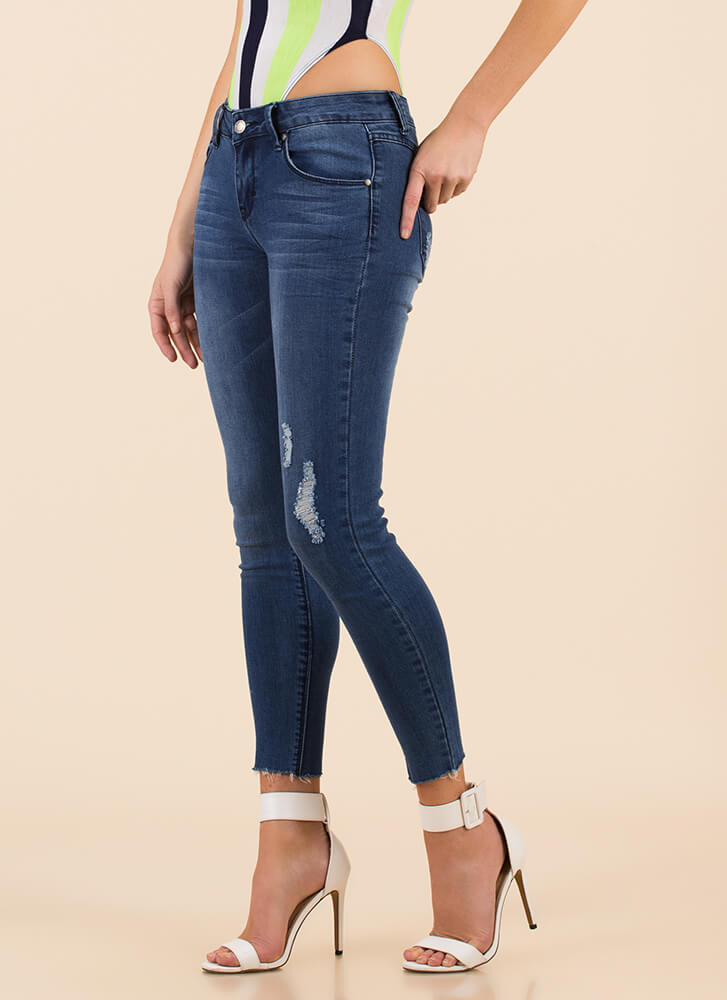Just A Little Distressed Skinny Jeans MEDBLUE