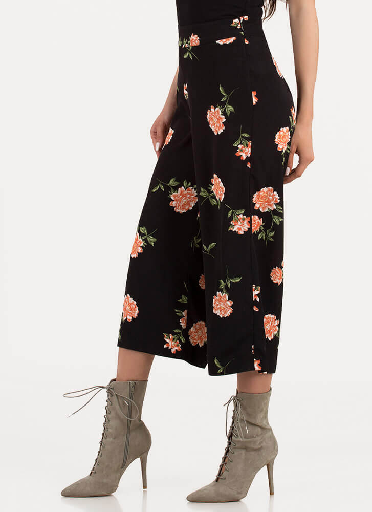 Throw Flowers Cropped Palazzo Pants BLACK