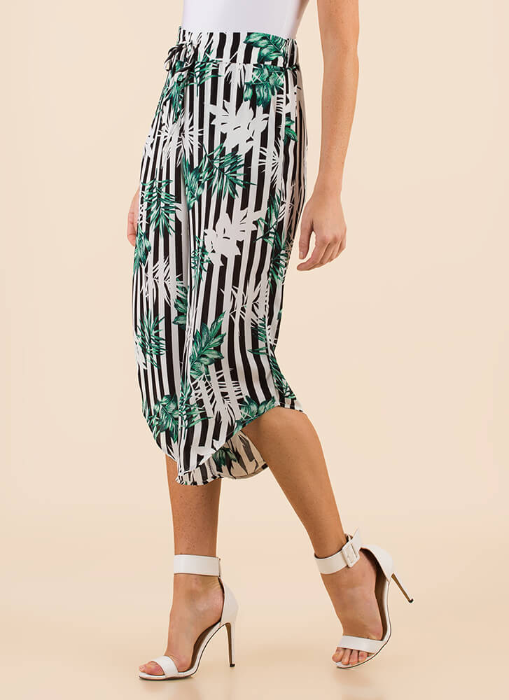 Be-Leaf It Or Not Cropped Striped Pants BLACKWHITE