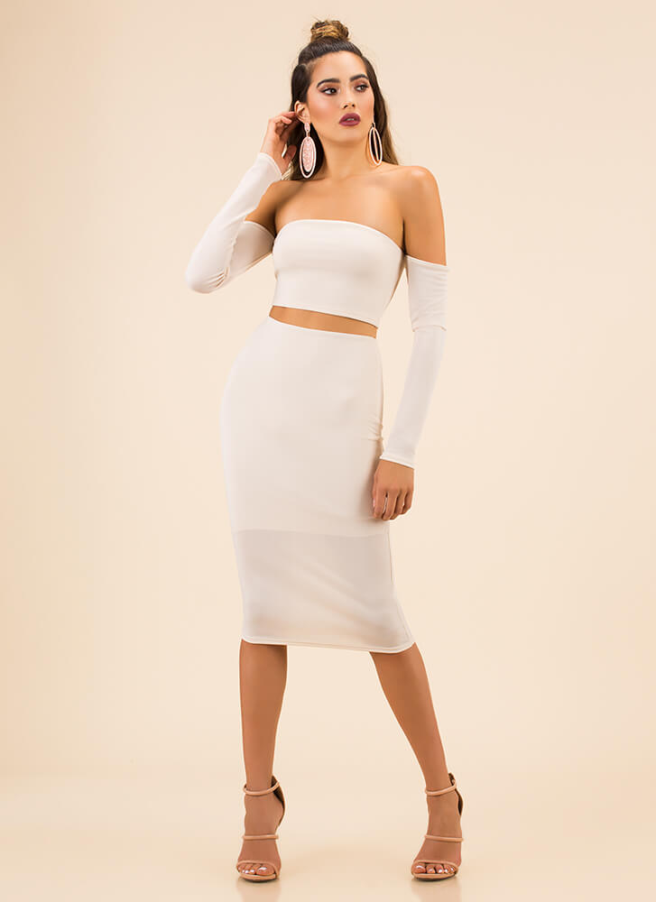 Good Skin Off-Shoulder Top And Skirt Set CREAM