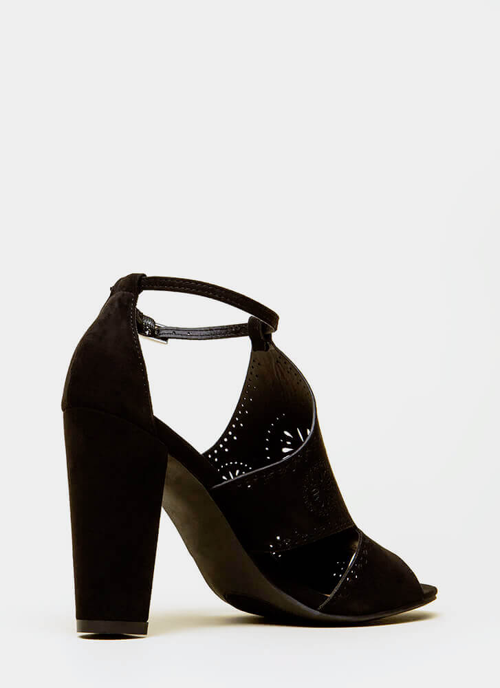 Worldly Woman Chunky Cut-Out Heels BLACK