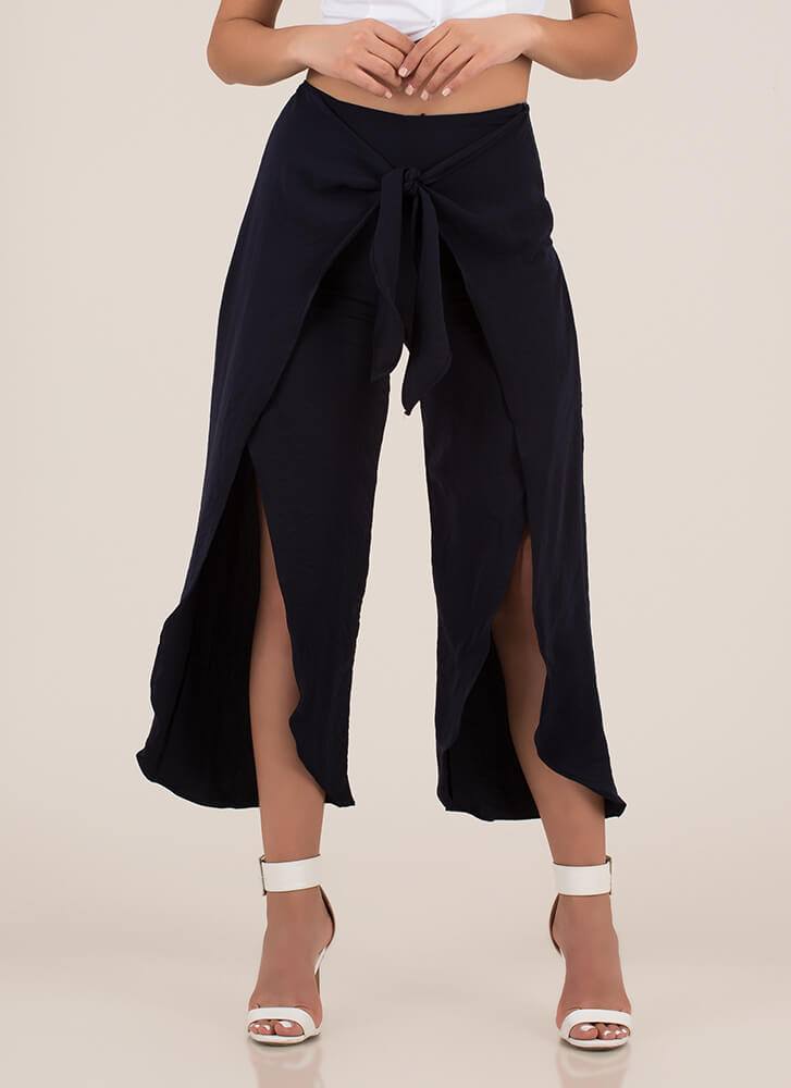 Light As Air Cropped Tie-Front Pants NAVY