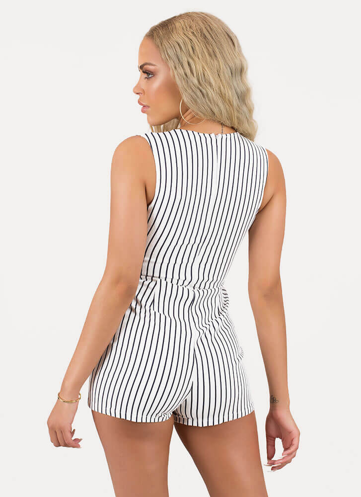 Well-Suited For This Pinstriped Romper WHITEBLACK