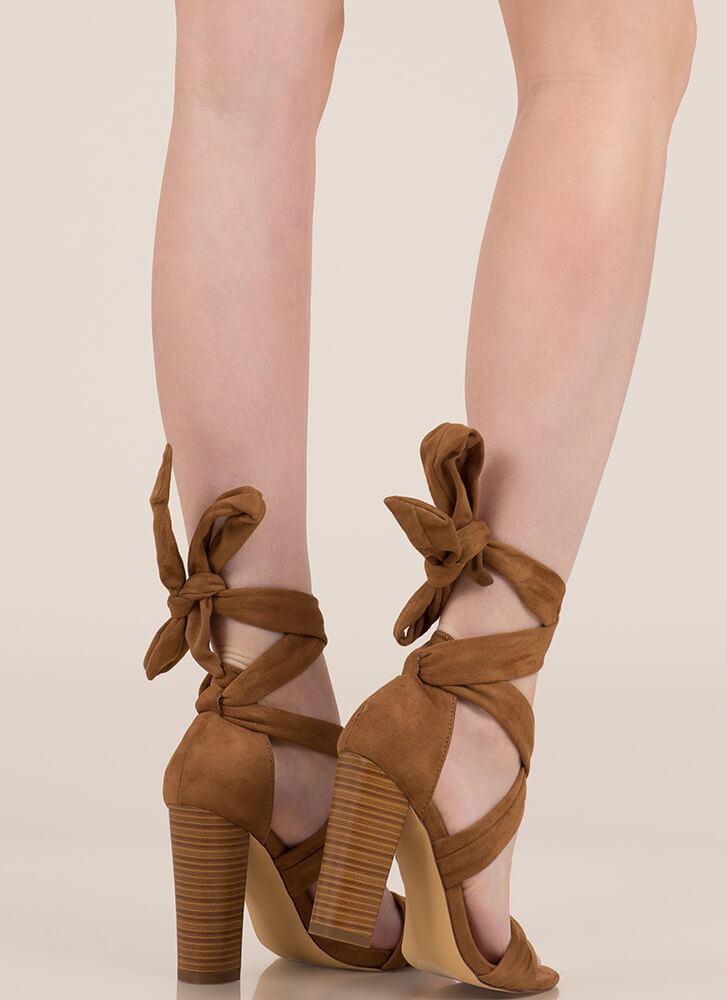 Wrap Royalty Chunky Lace-Up Heels TAN