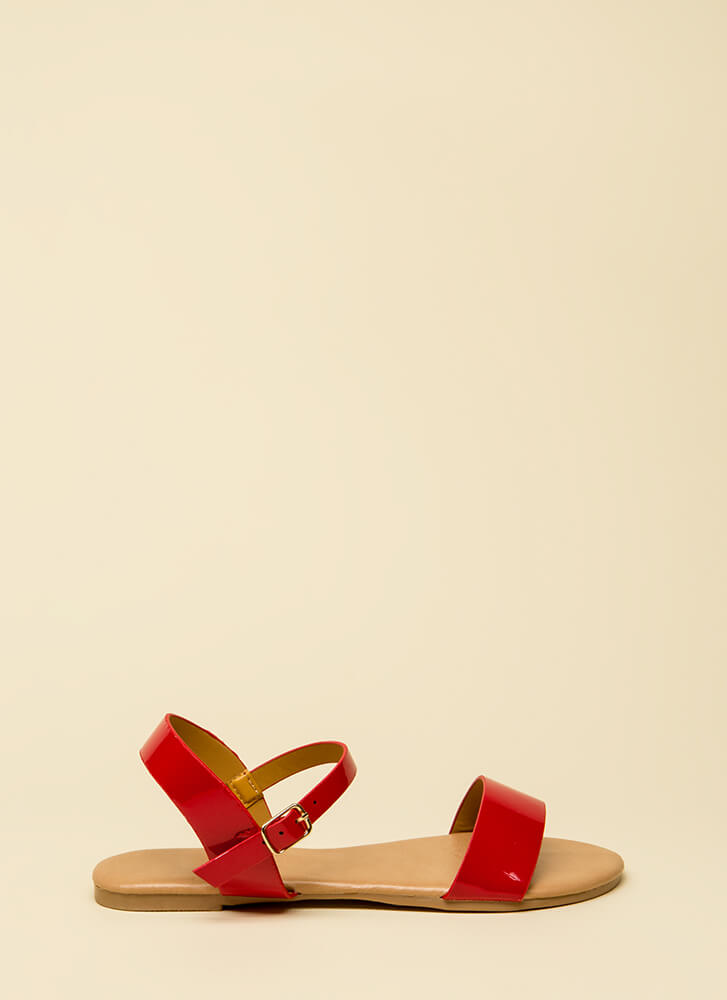 Model Off-Duty Faux Patent Sandals RED