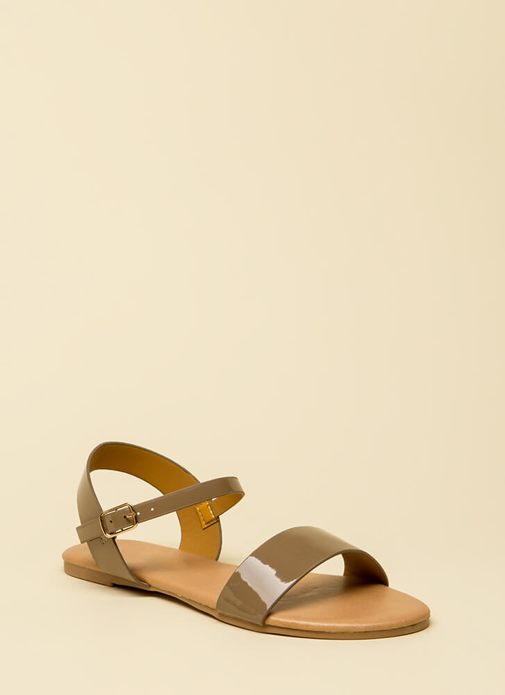 Model Off-Duty Faux Patent Sandals TAUPE