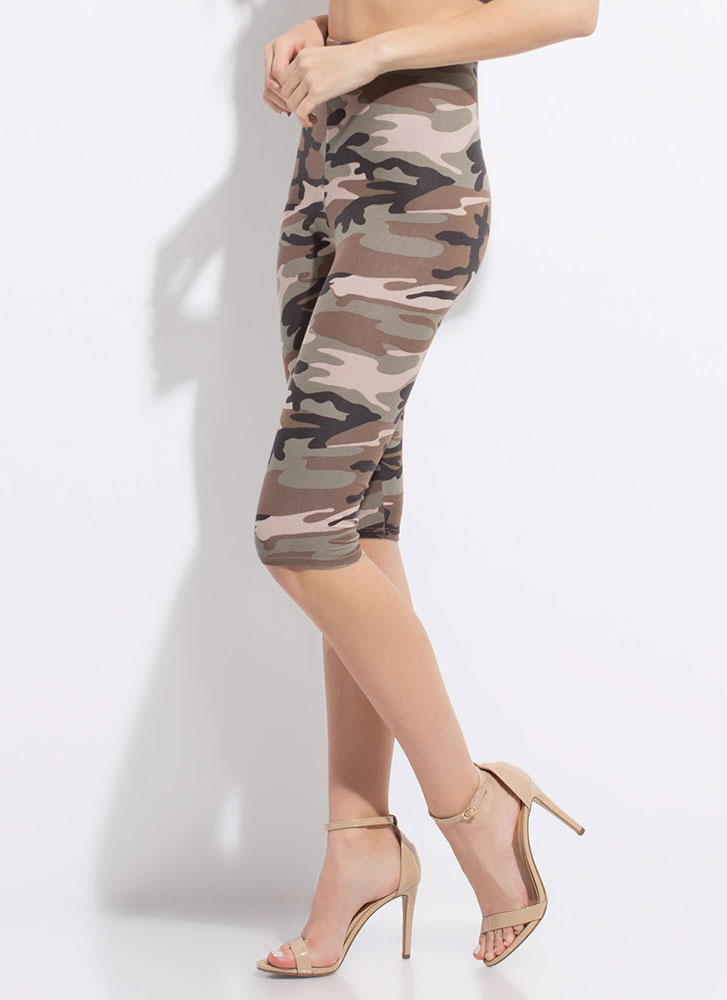 In Command High-Waisted Camo Capris OLIVE