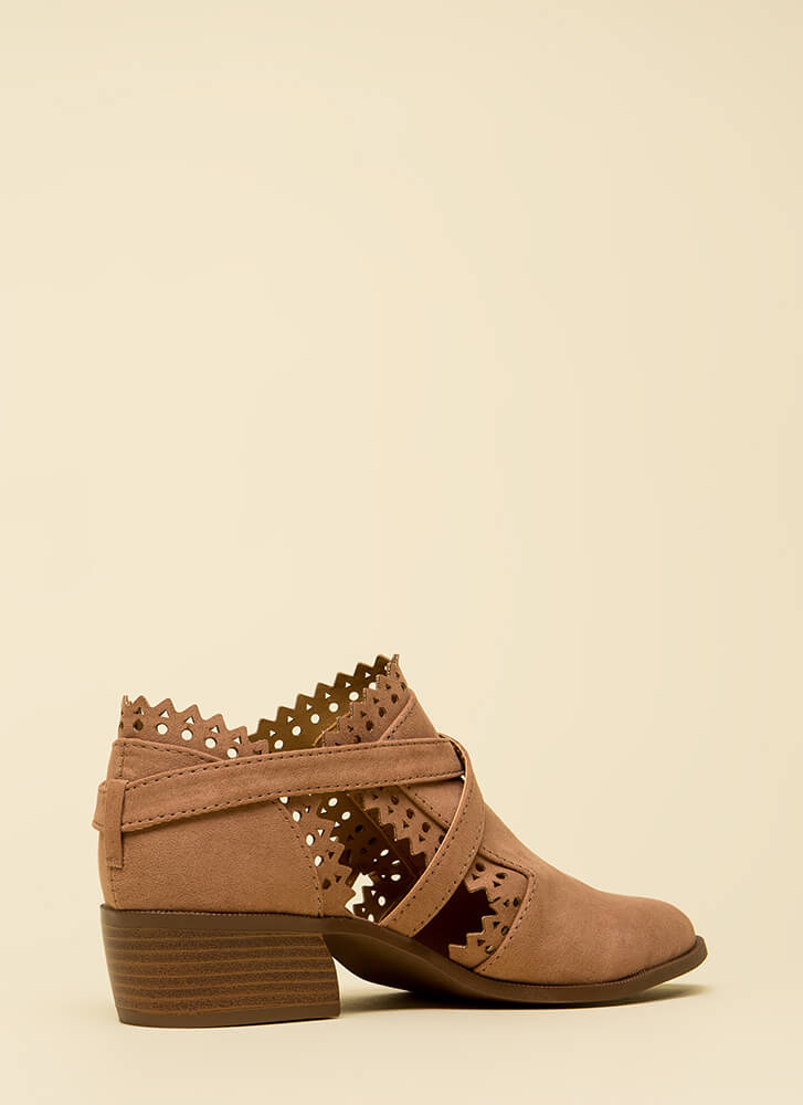 Pretty In Pinked Strappy Cut-Out Booties DKBLUSH