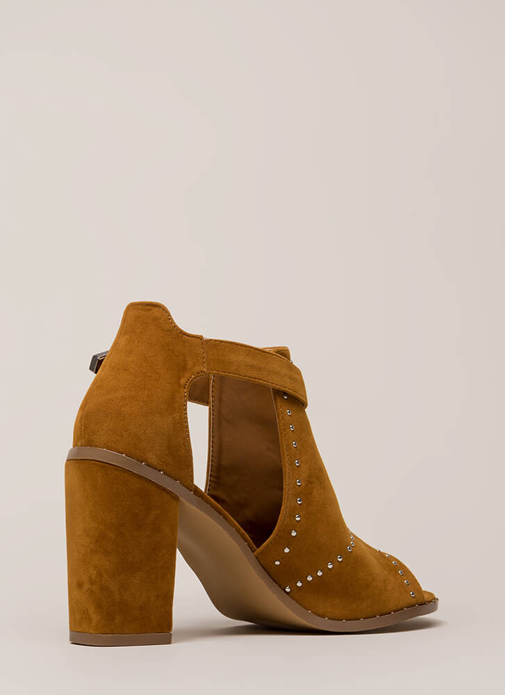 Studs In The City Cut-Out Chunky Heels CHESTNUT