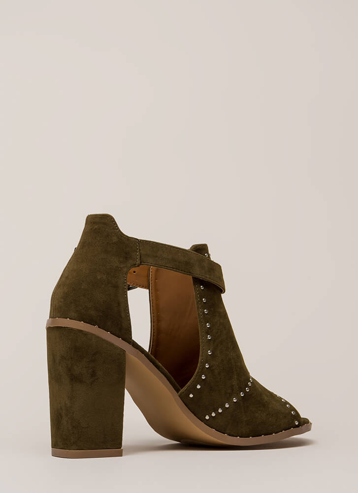 Studs In The City Cut-Out Chunky Heels OLIVE