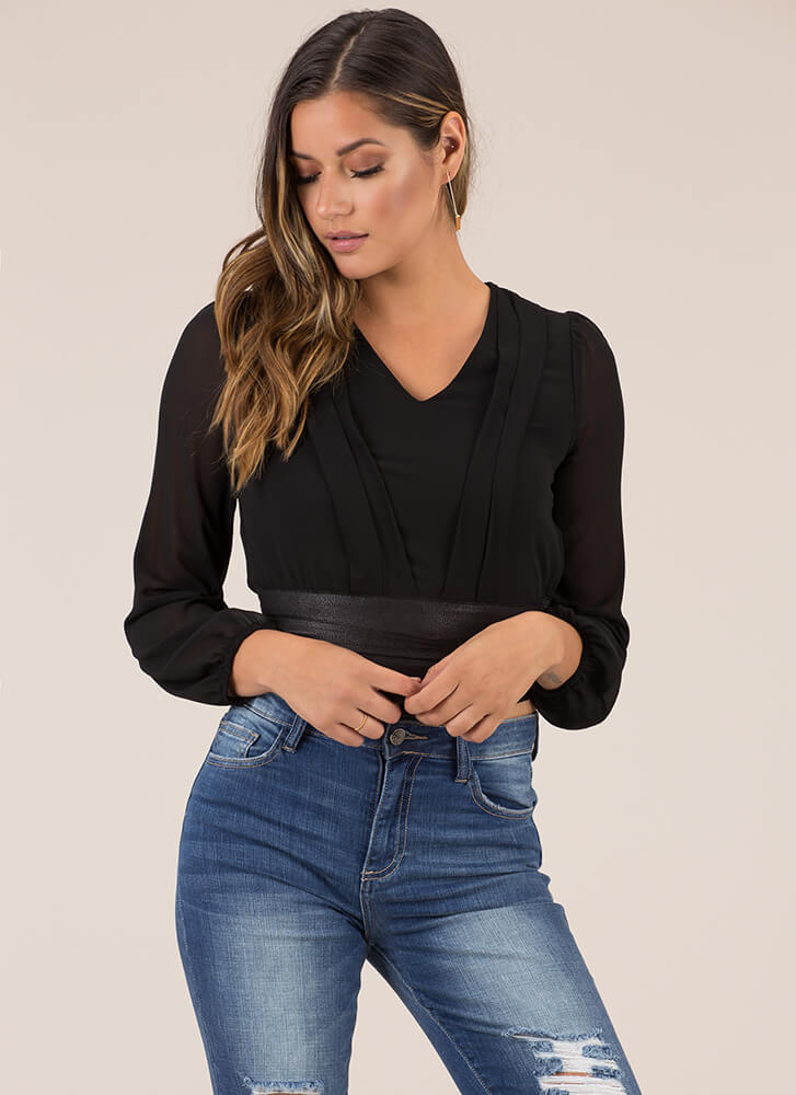 Pleating My Case Cropped Blouse BLACK