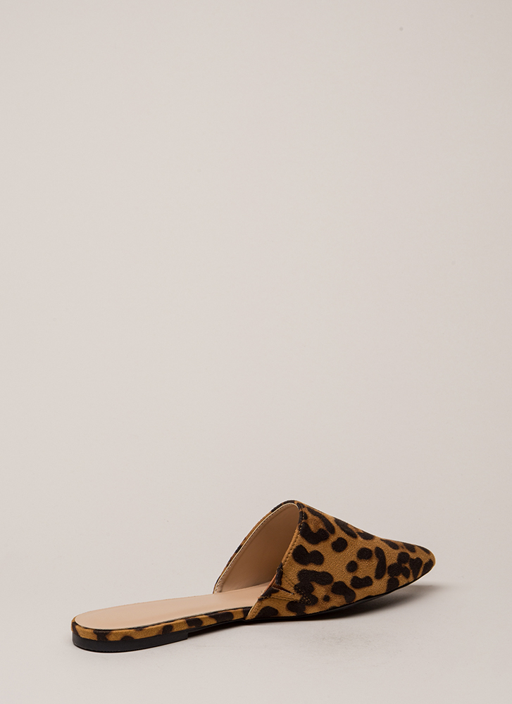 f3616115ae Get Wild Pointy Leopard Mule Flats