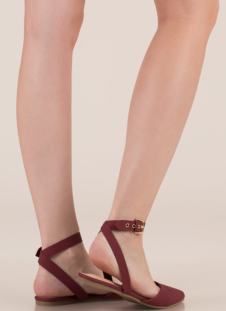 Model Off Duty Ankle Strap Flats WINE