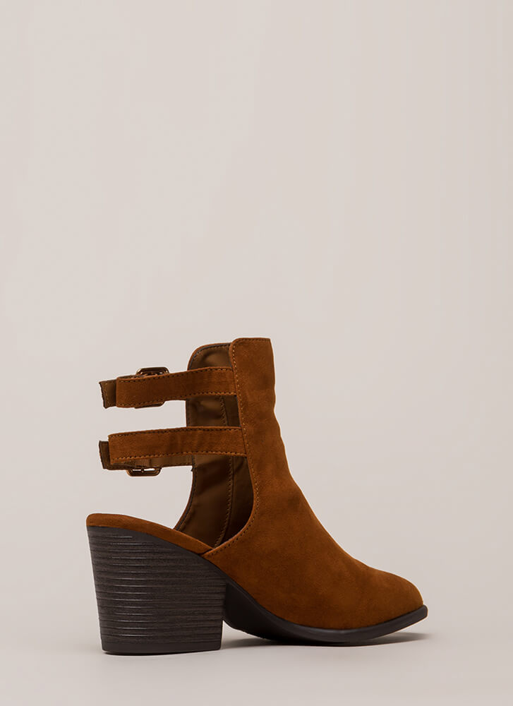 Born Ready Strappy Back Block Booties CHESTNUT
