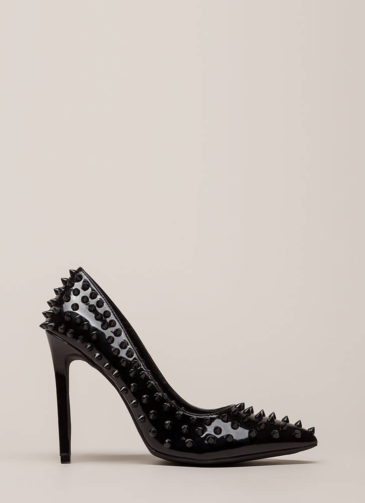 Spike Your Pose Pointy Studded Pumps BLACK