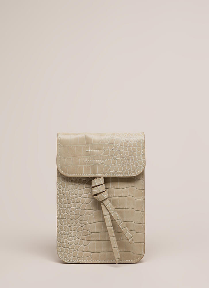 Play The Scales Flat Knotted Mini Clutch IVORY