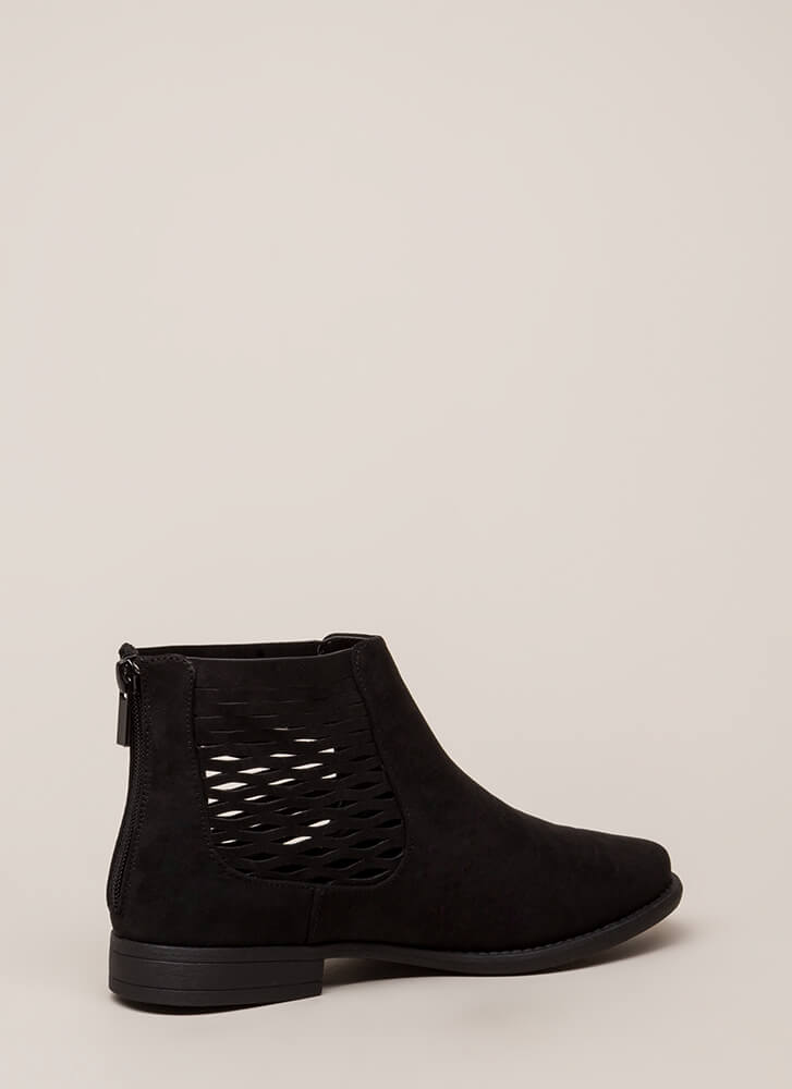 Feeling So Wavy Latticed Booties BLACK