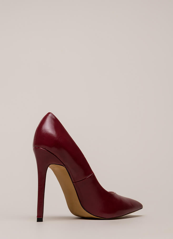 So Essential Pointy Faux Leather Pumps WINE